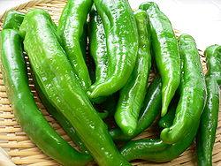 250px-Manganji_green_pepper_by_yomi955.jpg